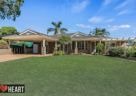 12 Dowell Place BIBRA LAKE WA 6163